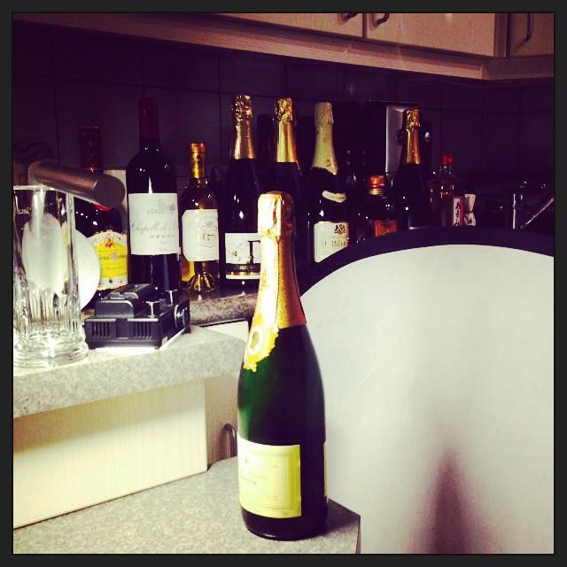 Fotoshoot... #champagne #hbilliot  #dosonlepage #cava #equilibri #riesling #raumland #cremant #bouvet #japanesewhisky #nikka #brandy #cardenalmendoza #umeshu #yuzu