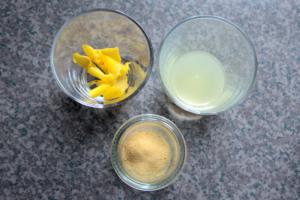 Lemon peel, lemon juice and yuzu powder