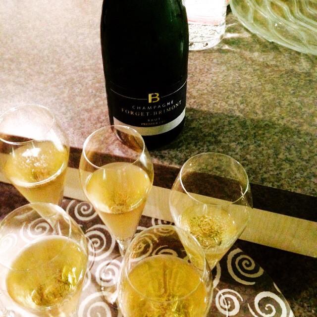 It must be Christmas! #forgetbrimont #champagne #christmas #sparkling #milkandhoney #premiercru #france